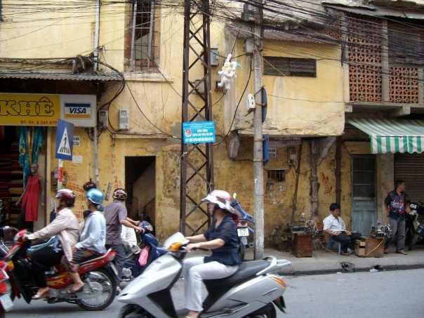 Theft, robbery, scams; three intense weeks in Vietnam (Hanoi to Saigon overland) - 4corners7seas