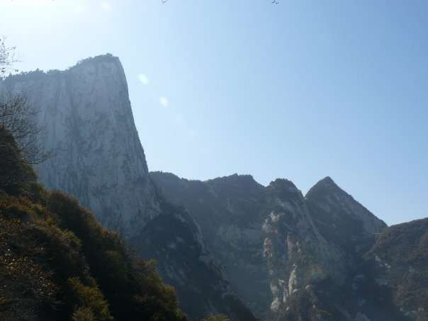 Views on the way up the Huashan trail