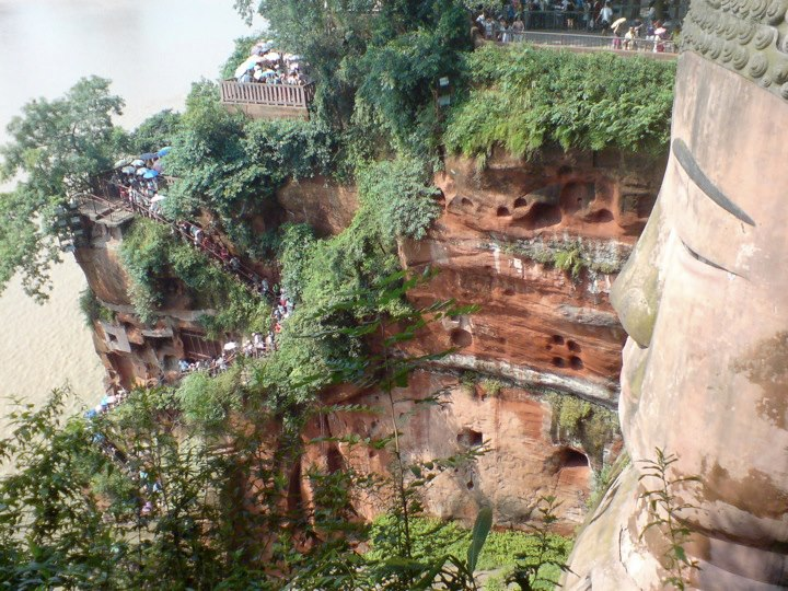The narrow steps leading down to the Leshan Buddha's feet