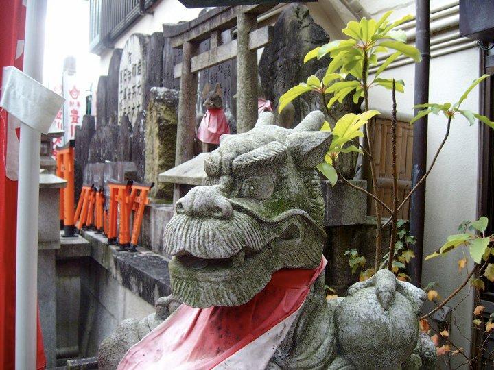 Fushimi Inari dragon statue