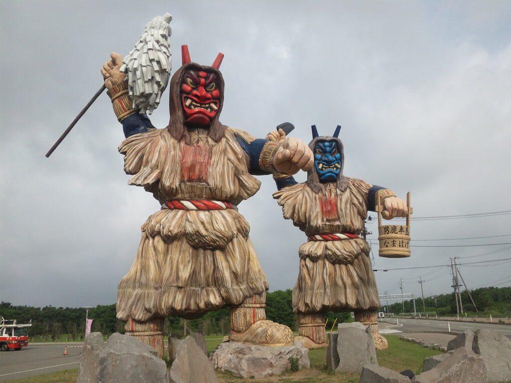 Namahage statues, Akita