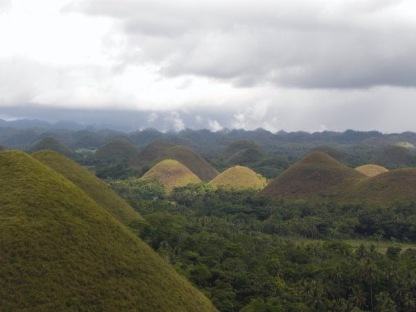 Bohol's Chocolate Drop Hills