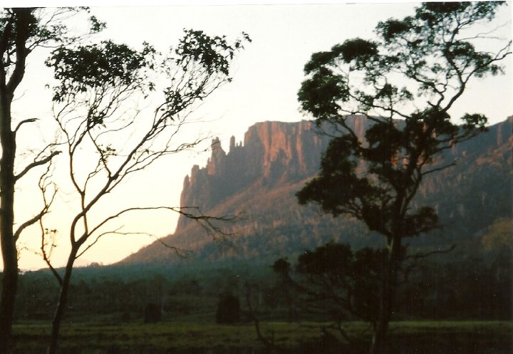 Mountain scenery along the Overland Track