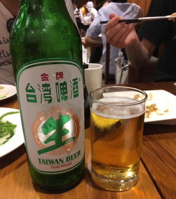Xiaolongbao and Taiwan Beer at Din Tai Fung