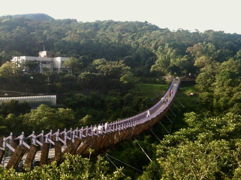 Baishihu Bridge near Bishan Temple