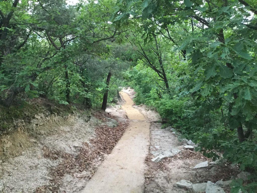 Suraksan hiking trail