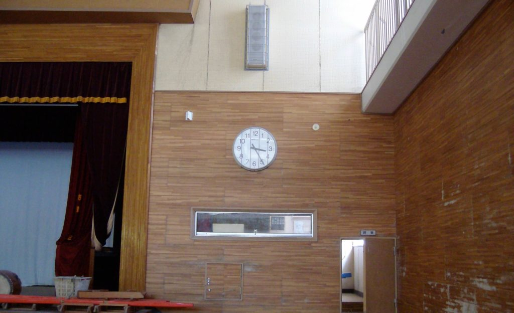 High school in Funakoshi. The gymnasium clock was stopped at 3:25, 40 minutes after the earthquake, when the tsunami arrived and knocked out the power