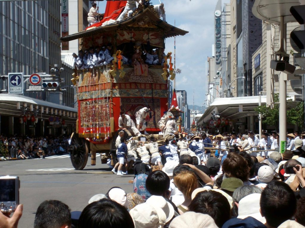 Gion Festival float turning at Shijo-Kawaramachi