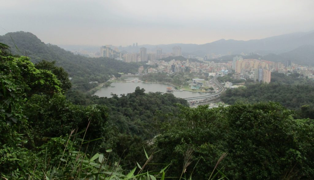 View of Dahu Park & Bailushishan from Kangleshan