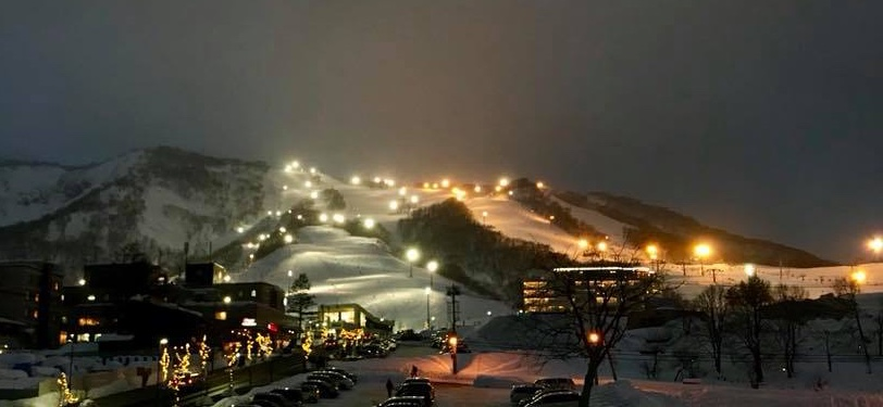 Niseko ski resort night skiing