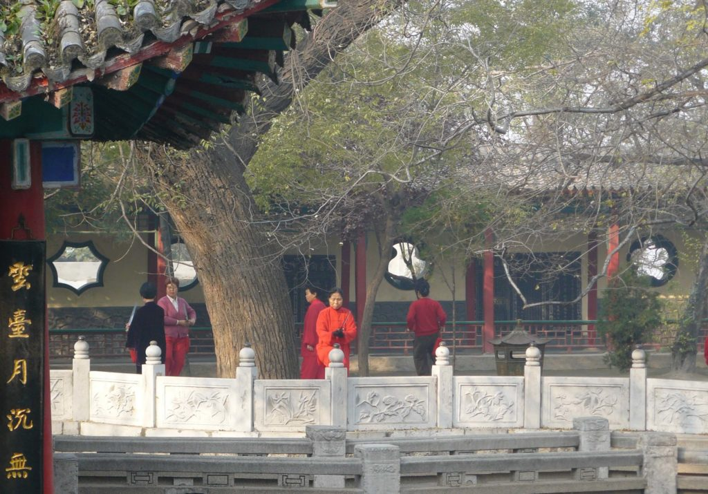 Early morning tai chi at Jade Spring Temple, Huashan