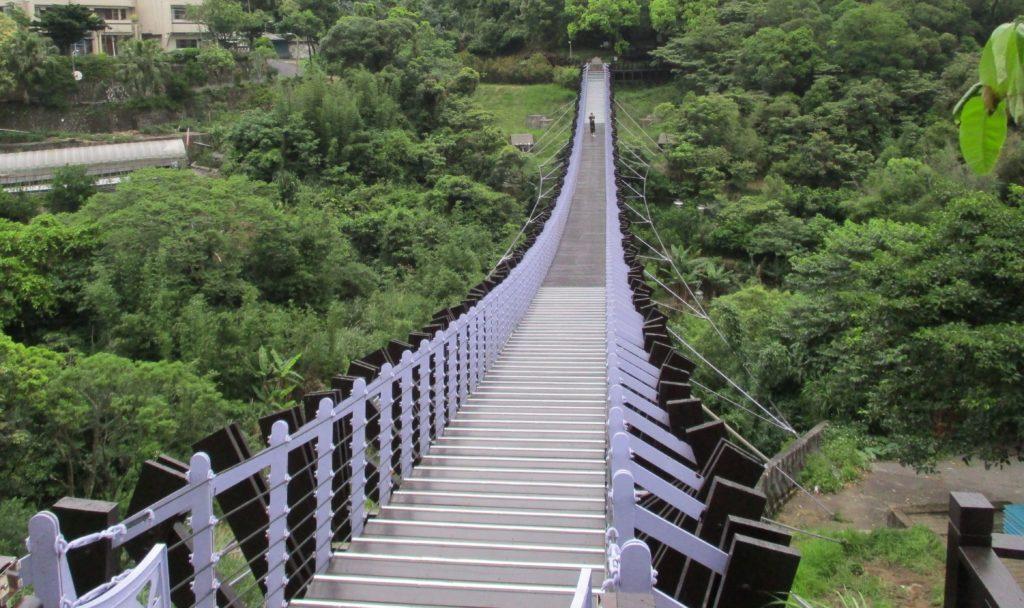 Baishihu footbridge
