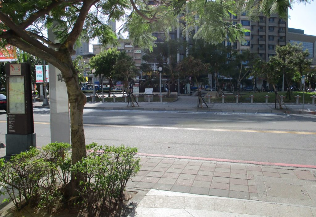 Luzhou Station bus stop