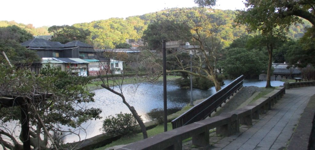 Pond near Yangmingshan bus station